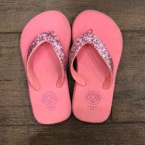 Reef pink sparkle flip flops - Size 7/8